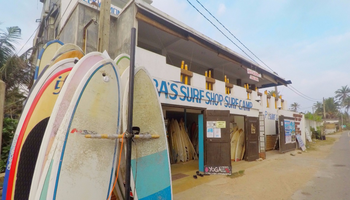 Rent surfboard Midigama Babas