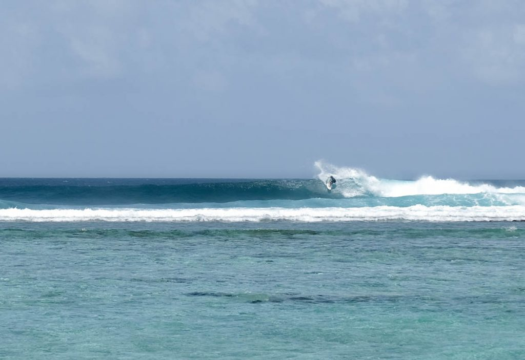 Surf the Maldives Cokes Surf Break Thulusdhoo